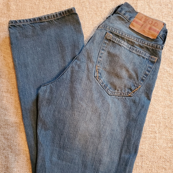 Izod Other - Izod Men's 30x32 Relaxed fit
